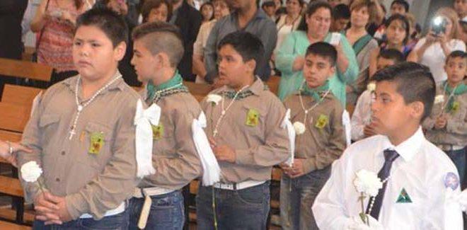 Primera Comunión de niños del Batallón 8