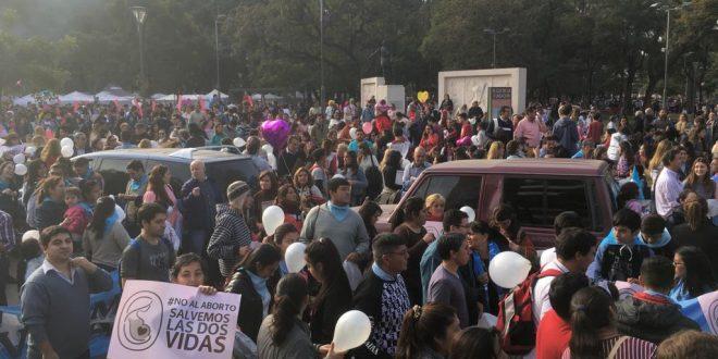 miles de tucumanos marcharon en contra del aborto