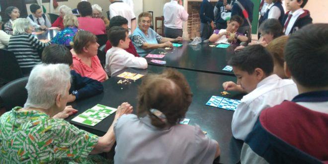 Visita a las Abuelas del Hogar San Roque