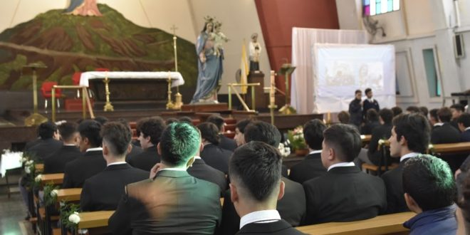 Homenaje a María Auxiliadora